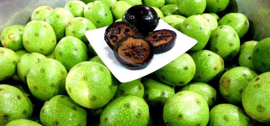 Schwarze-Nüsse